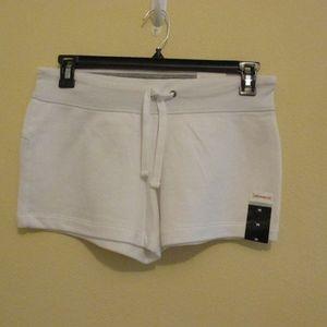 NWT - XERSION white knit pull-on shorts - sz M